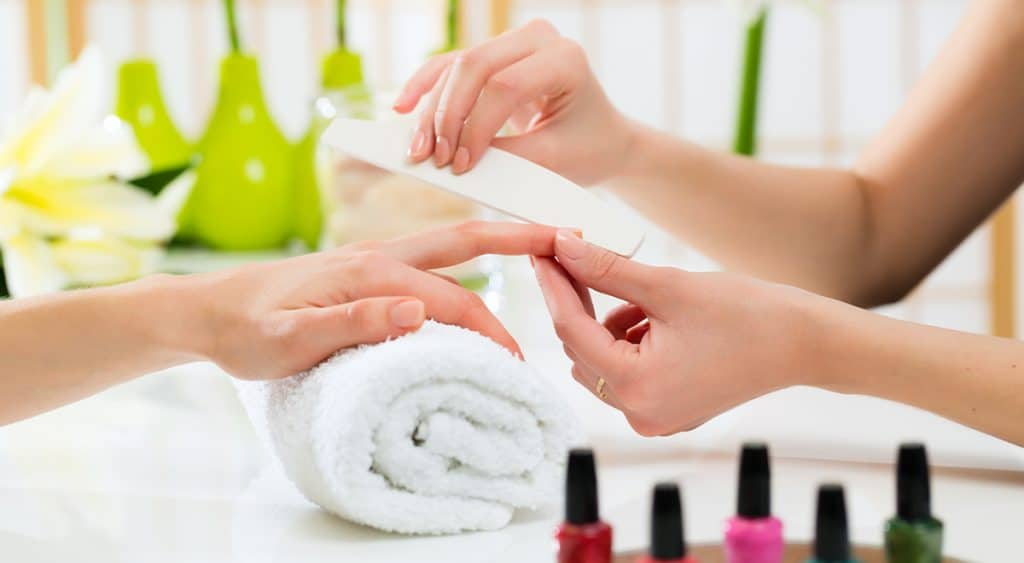 Important steps to start a nail salon