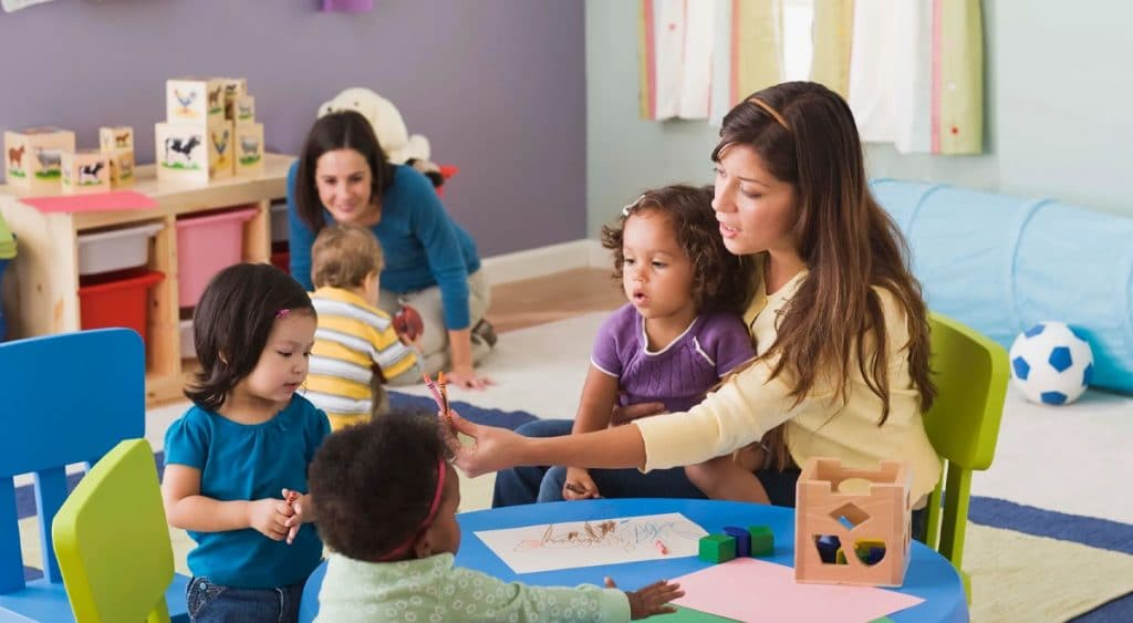 Pros and Cons of Starting Home Daycare Center