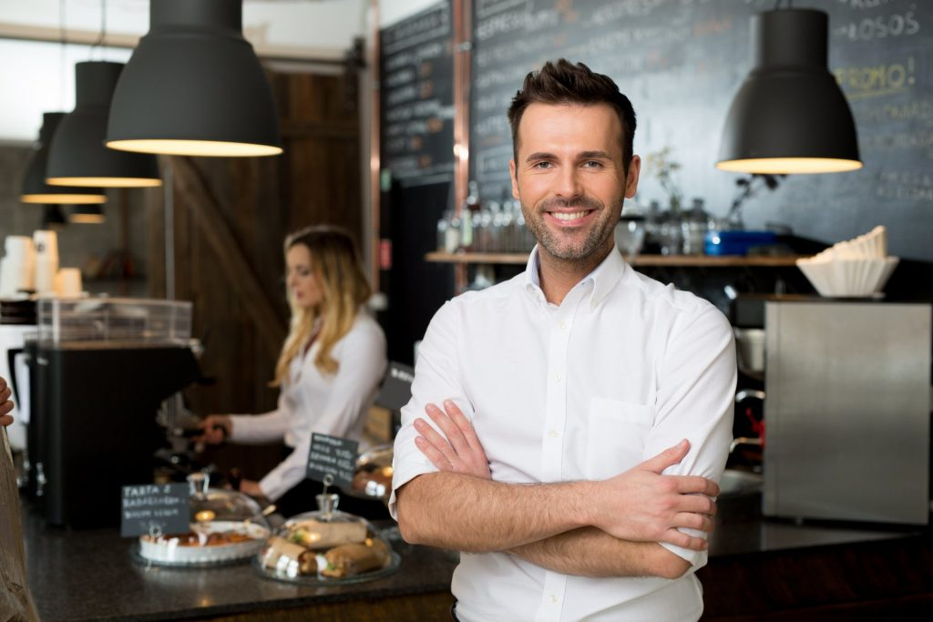 How to Start a Restaurant Business with Minimum Money & Zero Experience?